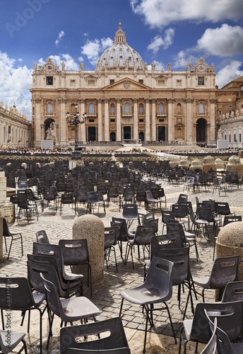 Vatican St Peter Day Vertical