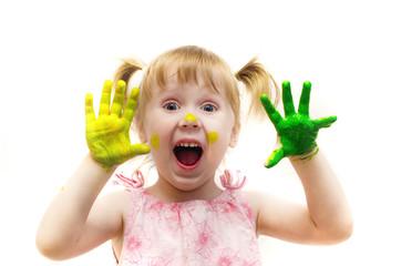 Красочный мир детства, девочка рисует