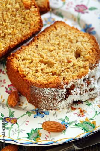Orange cake with almonds.