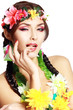 Hawaiian girl make up