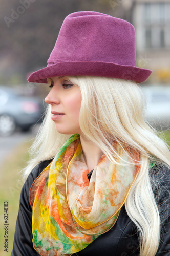 woman in a lilac hat