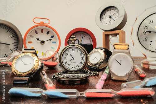 Many different Clocks