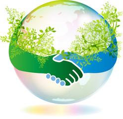 手を繋ぐ緑と地球