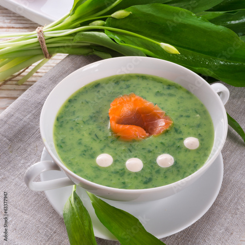 Bear allium soup with smoking salmon