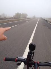 bisiklet gezisi asfalt yolda