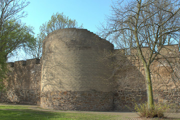 Alte Stadtmauer am Rabbiner Neumark Weg Duisburg