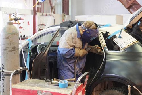 Deurstickers a car repair garage