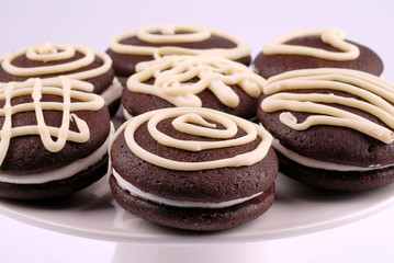 whoopie con decori in cioccolato bianco