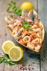 calamari e pesce fritto