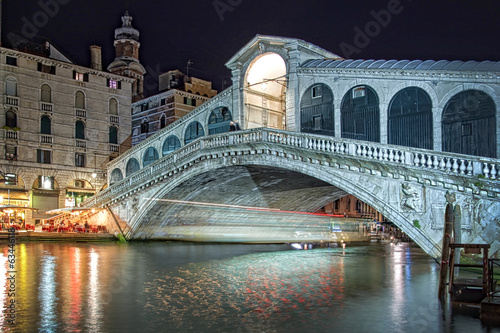 Venice, the Rialto bridge by night