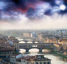 Ponte Vecchio à Florence et Bâtiments, Italie