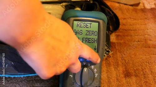 Domestic heating system boiler flue gas analyser analyzer