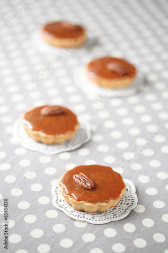 Mini Caramel Pies with Caramel Topping
