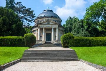 Carstanjen mausoleum in Bonn