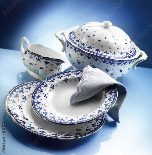 orcelain dinner set