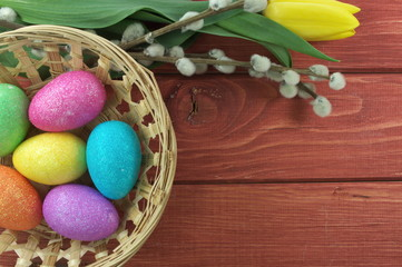kolorowe jajka i bazie