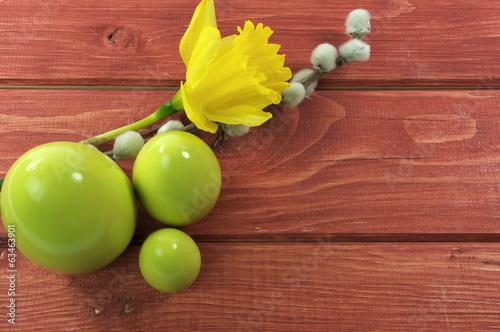 jajka z żonkilem i baziami