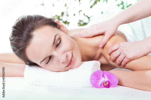Shoulder massage at spa