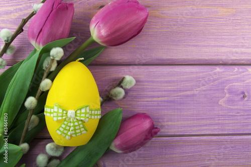 pisanka i tulipany