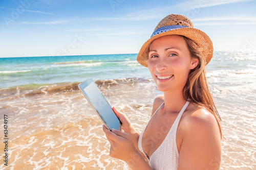 summer tablet user