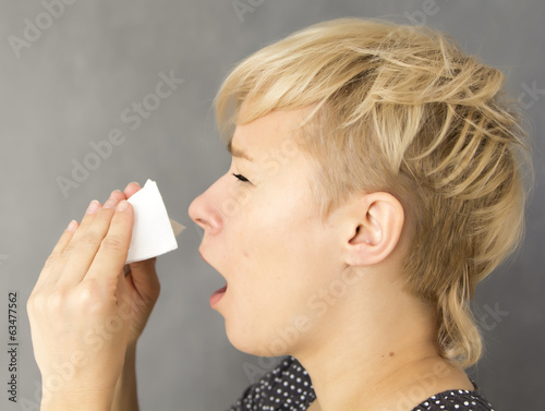 canvas print picture sneezing woman