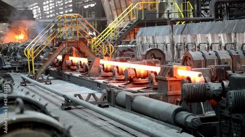 Foto op Canvas Kip Herstellung im Rohrwerk // Pipe Mill