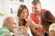 Obrazy na płótnie, fototapety, zdjęcia, fotoobrazy drukowane : Friends eating pizza