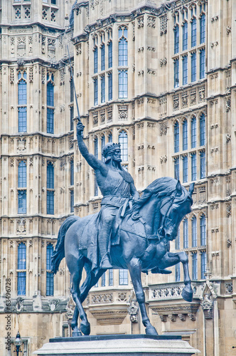 Richard 1st statue at London, England