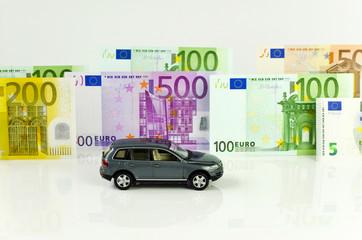 Auto und Euro-Geldscheine