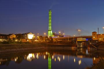Duisburg - Stadtwerketurm am Abend