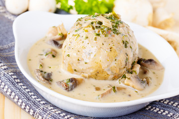 Dumpling with mushrooms - Semmelknödel mit Pilzen