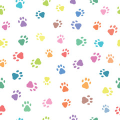 Seamless patterns with prints of animals © Marina Demidova