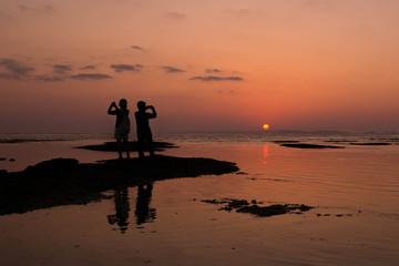 夕日と写真撮影