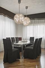 moderna sala da pranzo con parquet