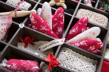 Basteln an Weihnachten - Nähkästchen mit Stoffherzen