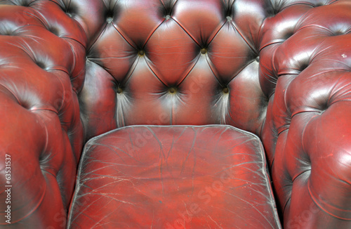 Chesterfield in pelle bordeaux