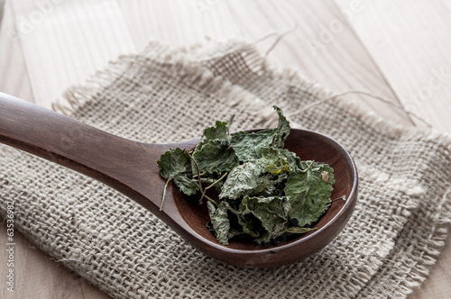 Dried lemon balm
