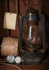 Старая керосиновая лампа