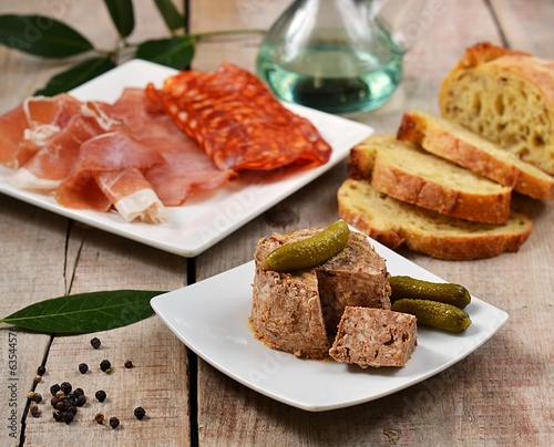 Tapas (ham and pâté)