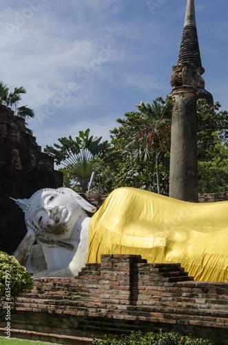 Big Reclining Buddha Statues at Wai Yai Chai Mongkol