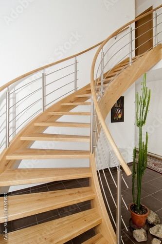 Keuken foto achterwand Trappen Wooden staircase with stainless steel elements