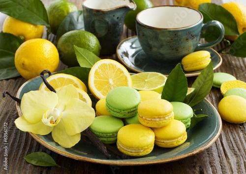 Papiers peints Macarons Key lime and lemon macaroon.