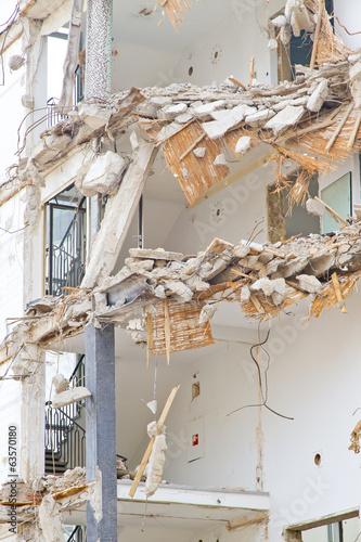 canvas print picture Abriss eines mehrstöckigen Gebäudes