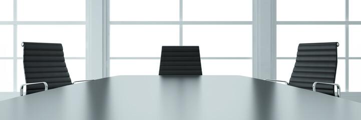 Besprechungsraum mit Tisch und Stühlen