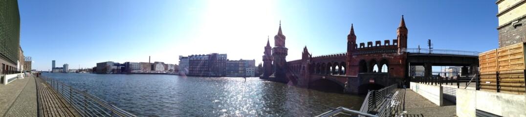 Oberbaumbrücke und Spree