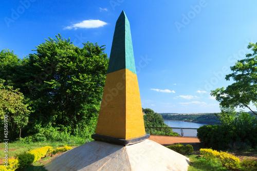 Leinwanddruck Bild Brazilian Obelisk Triple Frontier, Brazil, Argentina, Paraguay