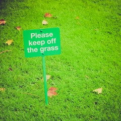 Retro look Keep off the grass sign