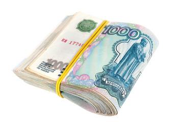 Пачка российских тысячных купюр, перевязанная резинкой