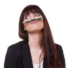 Frau hat Spaß mit ihren Stift