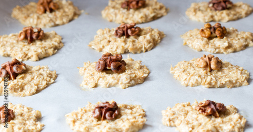 Oat cookies with a walnut